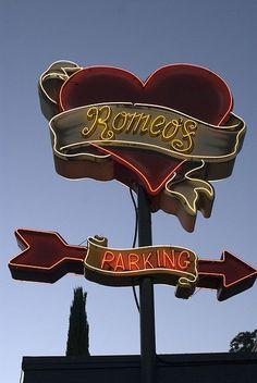 Romeo's neon sign in Austin, Texas, USA Old Neon Signs, Vintage Neon Signs, Old Signs, Austin Texas, Texas Usa, Hopeless Fountain Kingdom, Neon Licht, Neon Moon, Graffiti