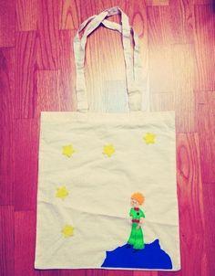 El Principito | The Little Prince Bolso de algodón orgánico. Medidas: 37×41 cm. de asas largas. Cosido a mano con productos de primera calidad.