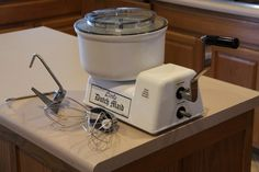 This is the ultimate multi-purpose food processor it uses no electricity. Originally designed by an Amish gentleman to stand up to the rigorous processing of large amounts of foods for large Amish families and gatherings, the Little Dutch Maid is built for commercial use.