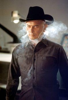 Yul Brynner Westworld - http://johnrieber.com/2013/04/04/westworld-meet-zardoz-crucify-the-omega-man-hollywoods-70s-sci-fi-head-trips/