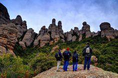 Observadors de les Agulles de Montserrat. Foto d'en David Muñoz durant el #photohikeagulles