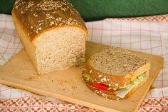 Φτιάξε μόνος σου σπιτικό, υγιεινό ψωμί για τοστ και σάντουιτς με αλεύρι ολικής και ντίνκελ - A healthy, homemade sandwich bread recipe with spelt and whole wheat flour Homemade Sandwich Bread, Bread Recipes, Cooking Recipes, Instant Yeast, Recipe Using, Sandwiches, Recipies, Treats, Healthy