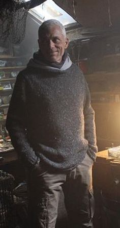 Jeremy Wade in sweaters. Um...why am I melting?