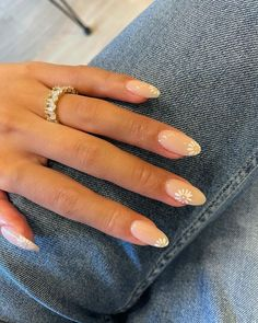Chic Nails, Stylish Nails, Trendy Nails, Subtle Nails, Neutral Nails, Neutral Nail Designs, Round Nails, Oval Nails, Classy Almond Nails