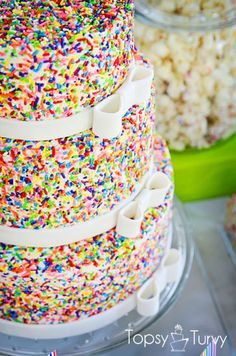 Rainbow Sprinkle wedding cake. If any of you understand my obsession with rainbow sprinkle doughnuts, you will understand how AWESOME this is.