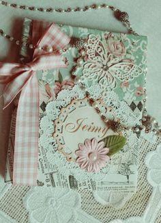 Agendas personalizadas, estilo vintage Mini Scrapbook Albums, Scrapbook Cards, Mini Albums, Decorate Notebook, Fabric Journals, Album Book, Handmade Journals, Vintage Tags, Journal Covers
