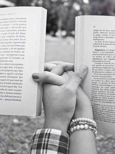 ༺M༻ The romance of reading books with your partner. I Love Books, Good Books, Why Book, Hopeless Romantic, Bibliophile, Couple Goals, Cute Couples, Romantic Couples, Wedding Couples