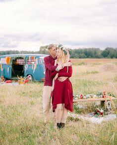 «Хиппи тема - это всегда источник для вдохновения. Свобода, маленький фургончик и просто счастливая пара. Идеальное окончание этой недели ждет вас на…»
