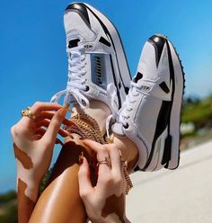 Air Max Sneakers, Sneakers Nike, Winnie Harlow, Nike Huarache, Summer Vibes, Sunnies, Nike Air Max, Sportswear, Give It To Me