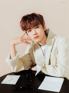 Nct Dream Jaemin, K Wallpaper, Na Jaemin, Entertainment, Fandoms, Love At First Sight, Bts Suga, Boyfriend Material, Jaehyun