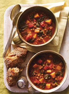 Make this vegetarian lentil and kale soup recipe in your RICARDO electric pressure cooker or Instant Pot. Pressure Cooker Lentils, Pressure Cooker Applesauce, Pressure Cooker Chicken, Pressure Cooker Recipes, Slow Cooker, Kale Soup Recipes, Vegetarian Recipes, Healthy Recipes, Healthy Food