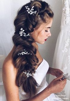Wedding Hairstyles: Ulyana Aster Long Bridal Hairstyles for Weddings … – … - All For Bridal Hair Veil Hairstyles, Homecoming Hairstyles, Wedding Hairstyles For Long Hair, Vintage Hairstyles, Long Bridal Hair, Curly Wedding Hair, Wedding Hair Flowers, Veil Hair Down, Wedding Hair Inspiration