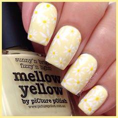 Instagram media centralparkkitty - Yellow daisies, #nail #nails #nailart