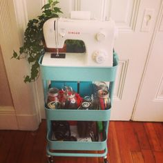 DIY Sewing cart with Ikea kitchen cart hannahjtenpas@blogspot.com