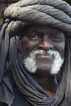 Portrait - Humanity: merchant of Ren We Are The World, People Around The World, Wonders Of The World, Photo Portrait, Portrait Photography, People Photography, Beautiful World, Beautiful People, Moustaches