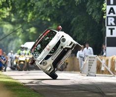فيديو نيسان جوك RS تسجل رقم قياسي جديد للسير على عجلتين  #سيارات #تيربو_العرب #صور #فيديو #Photo #Video #Power #car #motor