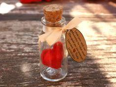 Coração de feltro em vidro