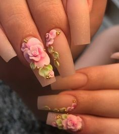 Nail art world goes crazy beyond imagination. Have the best look with these flower nails designs for women Fancy Nails, Bling Nails, Swag Nails, 3d Nail Designs, Flower Nail Designs, Nails Design, Rose Nail Design, Rose Nail Art, Rose Nails