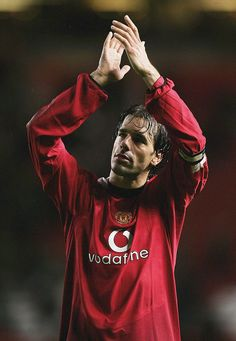 Ruud Van Nistelrooy, Manchester United Players, Sir Alex Ferguson, Football Wallpaper, Old Trafford, Sports Pictures, Portsmouth, American Football, Superstar