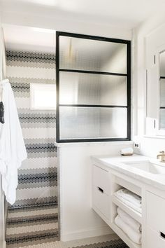 Tile Envy - Pack Your Bags NOW Because This Maui Beach Cottage Is Calling - Photos Beach Cottage Style, Beach Cottage Decor, Cottage Bath, Beach House Bathroom, Bathroom Black, Shower Bathroom, Beach Bath, Farmhouse Remodel, Casement Windows