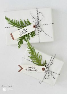 DIY Holiday Gift Tags made with a Cricut Explore Air by Boxwood Ave. for TodaysCreativeLife.com   Make simple Christmas gift tags for simple gift wrapping that looks amazing!
