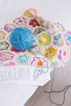 So pretty, African Flower Crochet
