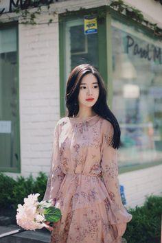 Korean Fashion – How to Dress up Korean Style Korean Fashion Dress, Ulzzang Fashion, Asian Fashion, Modest Fashion, Fashion Dresses, Estilo Lady Like, Cute Dresses, Casual Dresses, Korea Dress