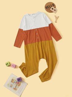 Boys Button Front Colorblock Sleep Jumpsuit – Agodeal Satin Pj Set, Cartoon Letters, Boys Sleepwear, Pj Sets, Spandex Material, Pop Fashion, Pajama Set, Boy Outfits, Color Blocking