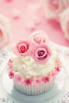Cupcakes mit rosa Blumen - Trends