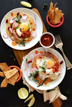 Gluten Free Breakfast Tostadas by minimalistbaker: Made with brown rice tortillas. 219 calories/serving. #Breakfast #Tostadas #Gluten_Free
