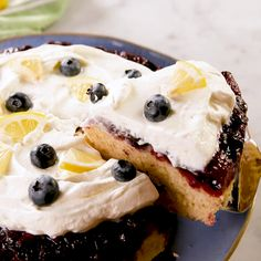 We love a good upside down cake and this our favorite one yet The blueberries get super juicy as they bake it s the perfect representation of spring Get the recipe at Blueberry Upside Down Cake, Blueberry Cake, Blueberry Lemon Recipes Dessert, Baked Blueberry Cheesecake, Upside Down Cakes, Lemon Cheesecake, Spring Desserts, Köstliche Desserts, Bundt Cakes