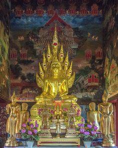 "2012 Photograph, Wat Nak Prok Phra Wihan Principal Buddha Image ""Nakprok"", Pak Khlong Phasi Charoen, Phasi Charoen, Bangkok, Thailand, © 2017. ภาพถ่าย ๒๕๕๕ วัดนาคปรก หลักการพระพุทธรูป ""นาคปรก"" พระวิหาร ขว.ปากคลองภาษีเจริญ ข.ภาษีเจริญ จ.กรุงเทพฯ ประเทศไทย The temple gets its name from the seven-headed Naga or Serpent ""Nakprok"" sheltering the Buddha Image."