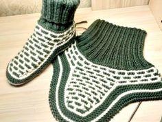 ТАПОЧКИ-НОСОЧКИ ДЛЯ МУЖЧИН 41-42 размер на 2 спицах. Вяжем вместе. - YouTube Baby Hats Knitting, Knitting Socks, Knitted Slippers, Knitted Hats, Crochet Boots, Baby Boots, Yeezy, Adidas Sneakers, Couture