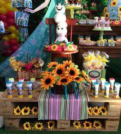 #FrozenFever para Florence!  #FestaFrozenFever #Frozen #FrozenParty #Festas #Festasinfantis #Party #instaparty #kidsparty #partydecor #instacelebrate #Disney #CasinhaFeliz #CasinhaFelizfestas #CasinhaFeliz30anos