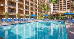 Fairfield Inn Anaheim Resort  complimentary Wi-Fi and an ideal location right across the street from Disneyland®.