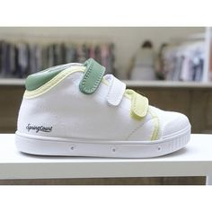 I'm sure my kids will wear springcourt #sneakers soon! #kidshows #springcourt #kidsshoes #ss2016 #basic #sneakers #cool #vintage do you like them?