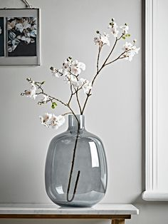 Moody Monday: Transitional Coastal Design, Home Accessories, NEW Faux Blush Cherry Blossom Spray. Vases Decor, Plant Decor, Room With Plants, White Vases, Deco Table, Home Decor Accessories, Flower Vases, Floral Arrangements, Beautiful Flowers