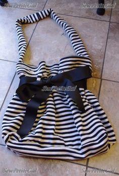 Blog » Sweatshirt to Tote Bag Easy DIY Tutorial