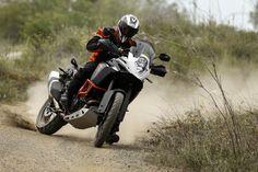 Comparativa BMW R 1200 GS Adventure vs KTM 1190 Adventure R. Fotos 1200 Gs Adventure, Ktm Adventure, Super Adventure, Enduro Motorcycle, Bike Photo, Cool Bikes, Atv, Motorbikes, Offroad