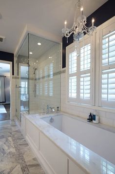 Bathroom tips, bathroom renovation, master bathroom decor and master bathroom organization! From claw-foot tubs to shiny fixtures, these are the bathroom that inspire me probably the most. Bathroom Renos, Bathroom Layout, Bathroom Interior Design, Bathroom Renovations, Home Interior, Home Remodeling, Bathroom Ideas, Bathroom Organization, Interior Decorating