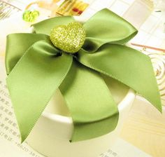 Green round favor box with ribbons & a sparkly green heart.  20 sets for $25.95 + free shipping!