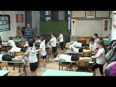 Testnevelés óra a tanteremben 3.b Ócsa - YouTube
