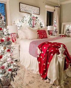 Christmas Bedding, Christmas Interiors, Farmhouse Christmas Decor, Cozy Christmas, Christmas Bedroom Decorations, Christmas Decorations For Bedroom, Beautiful Christmas Decorations, Dorm Decorations, My New Room