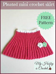 Ravelry: Pleated mini crochet skirt pattern by Kinga Erdem