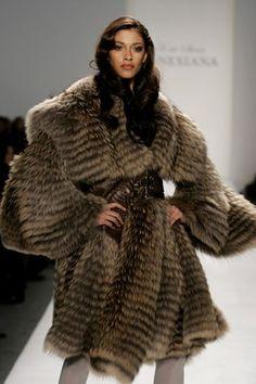 Lana Cox – March 2003 | Kürk Tutkusu | Pinterest | March, Fur and ...