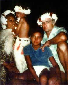 Marlon with his tahitian family, his third wife Tarita and their children…