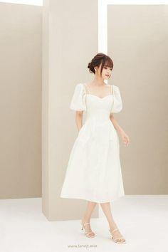 Simple Dresses, Elegant Dresses, Pretty Dresses, Beautiful Dresses, Casual Dresses, Fashion Dresses, Formal Dresses, Korean Dress Formal, Teen Dresses