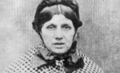 Victorian serial killer Mary Ann Cotton's possessions on display - BBC News Mary Ann Cotton, Black Sheep Wool, True Crime Books, Serial Killers, How To Make Bows, Twenty One, Victorian Era, Old Photos, Her Hair
