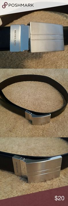 Auth. MICHAEL MICHAEL KORS REVERSIBLE BELT Pre owned in good condition but does show wear...see pictures.  Black and brown synthetic  leather. Michael KORS Accessories Belts