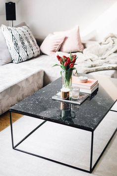 Marvelous Schwarzer Marmor Couchtisch Weiss Creme Glanzvoll Kissen #interiors